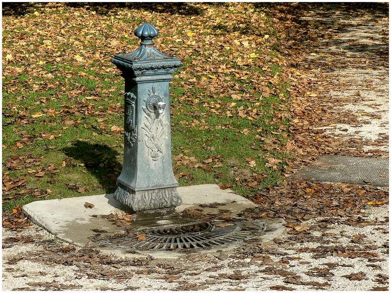 Fontaines de France et d'ailleurs - Page 4 46802623812_b421a36ec7_b