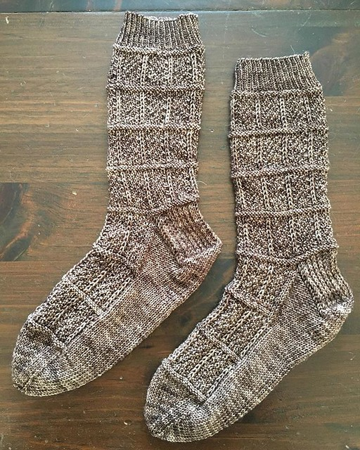 Flaco socks complete.  Ready to keep my toesies warm during the impending snow storm. ❄️ #knitting #sockknitting #flacosocks #fiberstashdyeworks