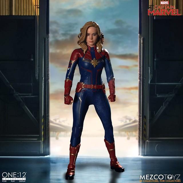 有附超可愛的貓呀(佛萊肯)!!! MEZCO ONE:12 COLLECTIVE 系列《驚奇隊長》驚奇隊長 Captain Marvel 1/12 比例人偶作品