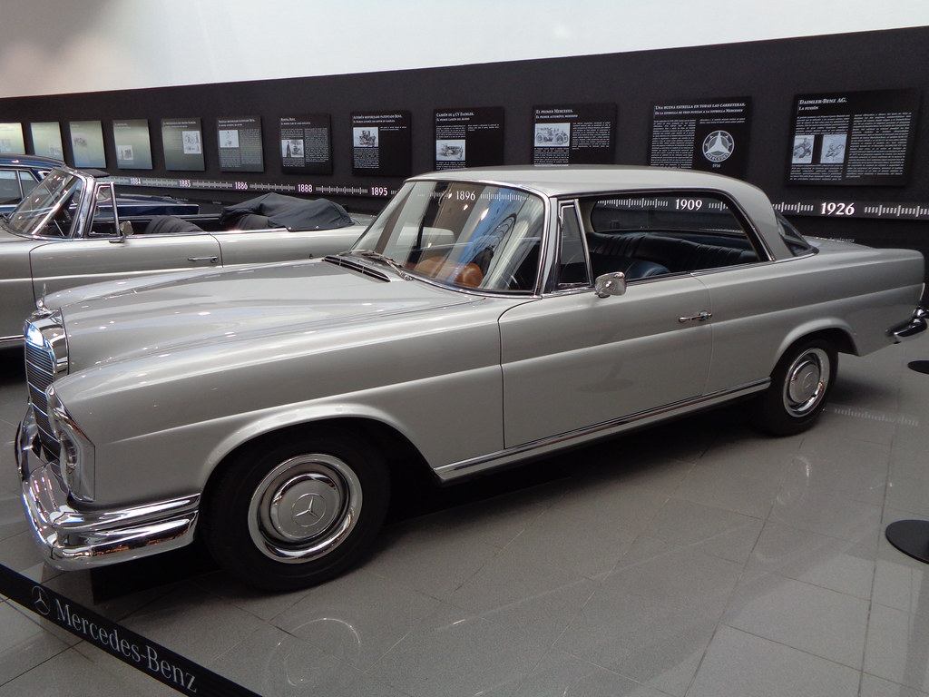 MERCEDES-BENZ W111 TYPE SE COUPÉ