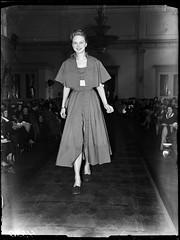 04-01-1948_04350 Modeshow in Kurhaus