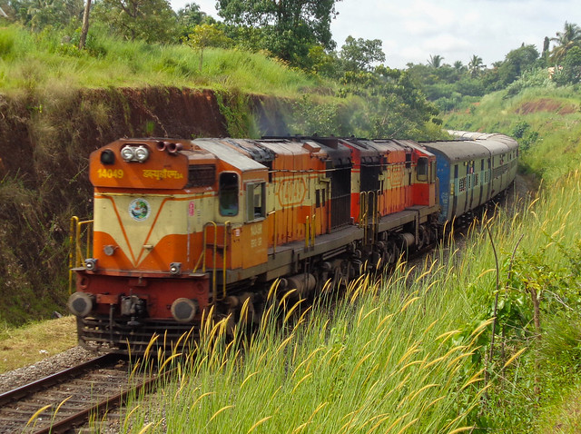 16337 Okha-Ernakulam Express!, Sony DSC-W830