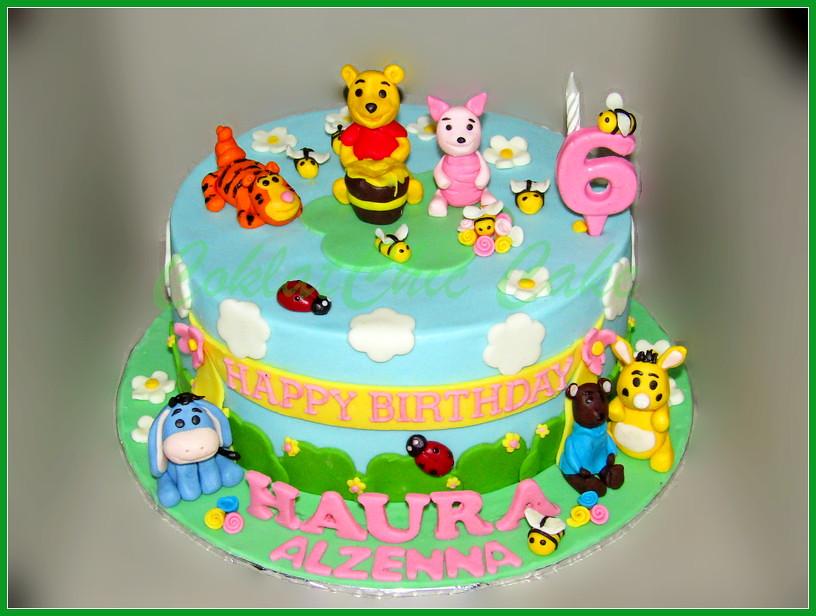 Cake Pooh Bear HAURA 24 cm