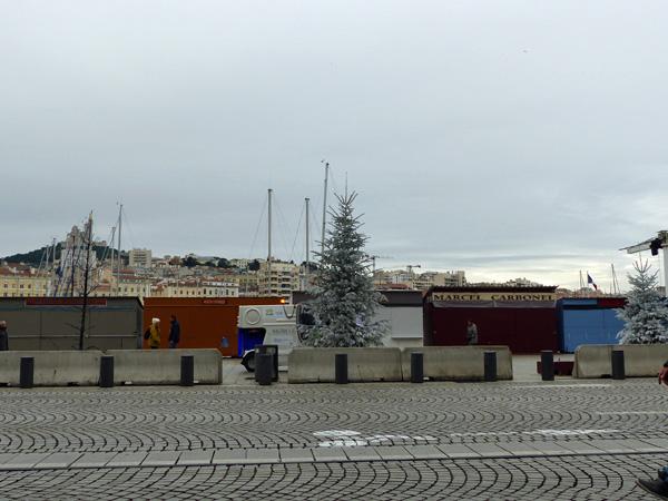 le marché aux santons sur le vieux port