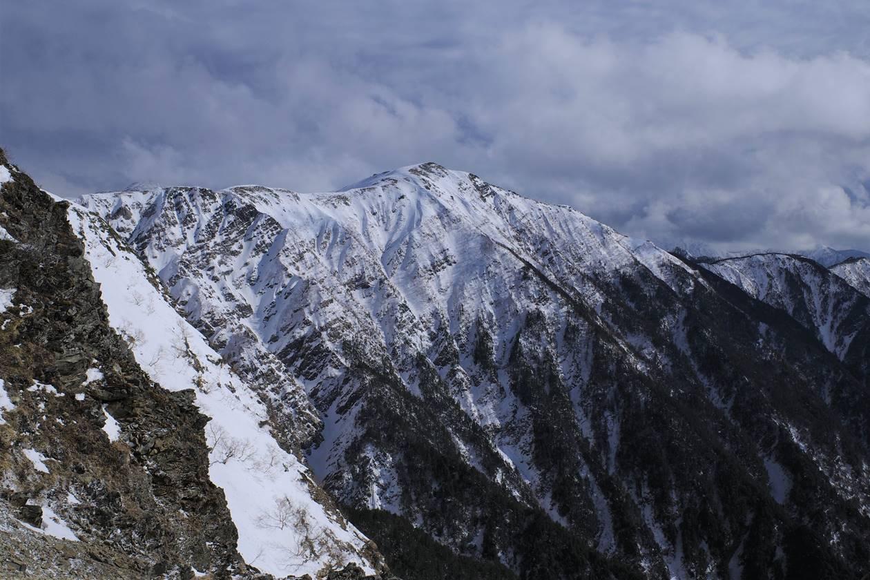 冬の小河内岳
