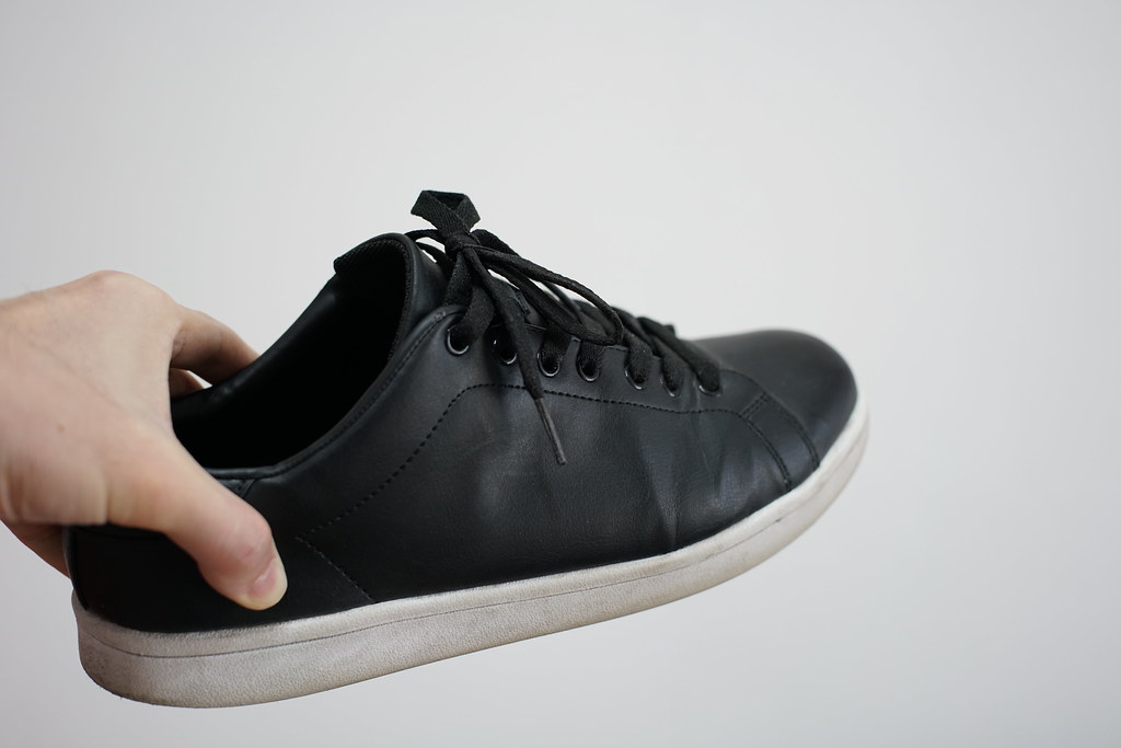 GU black shoes_3