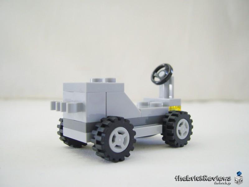 ThebrickReview: 70841 Benny's Space Squad 47282507251_964af1f62f_c