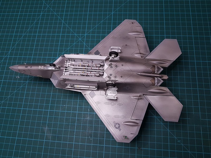 Academy 1/72 F-22A Air Dominance Fighter - Sida 6 31559259687_df16e5644f_c