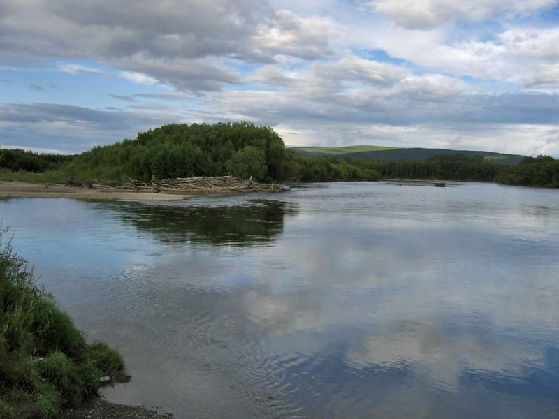 Вечер над рекой Камчатка