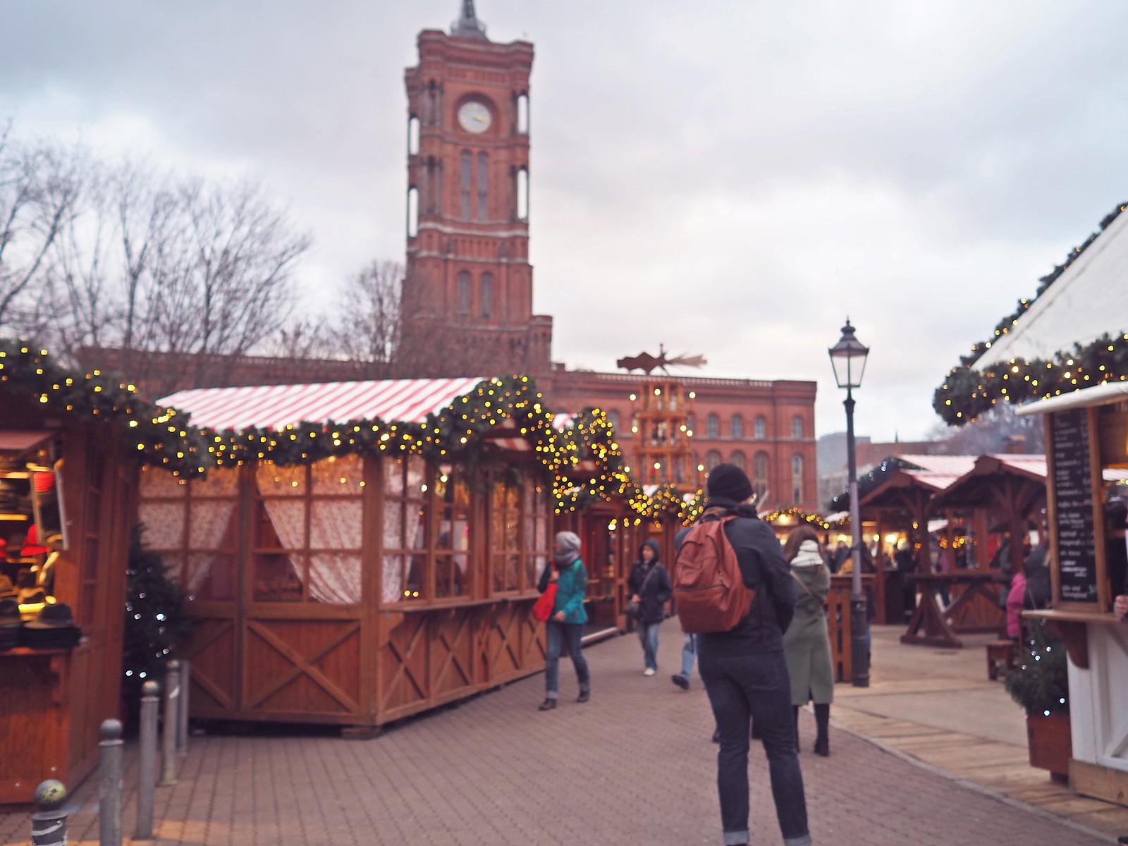 alexanderplatz joulumarkkinat berliini