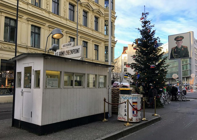 Berlin - Checkpoint Charlie, Apple iPhone 6s Plus, iPhone 6s Plus back camera 4.15mm f/2.2
