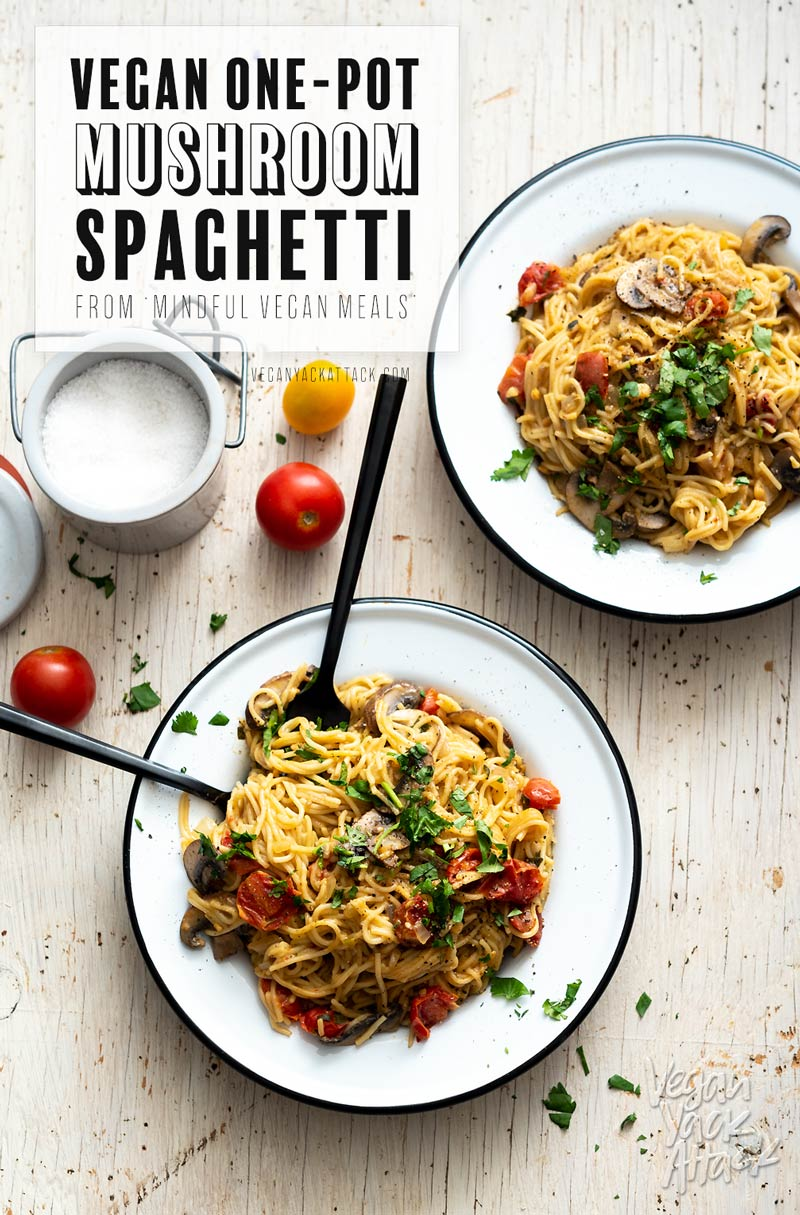 This simple dinner of One Pot Mushroom Spaghetti will have you satiating your evening hunger in no time! #vegan #soyfree #nutfree #oilfree #veganyackattack