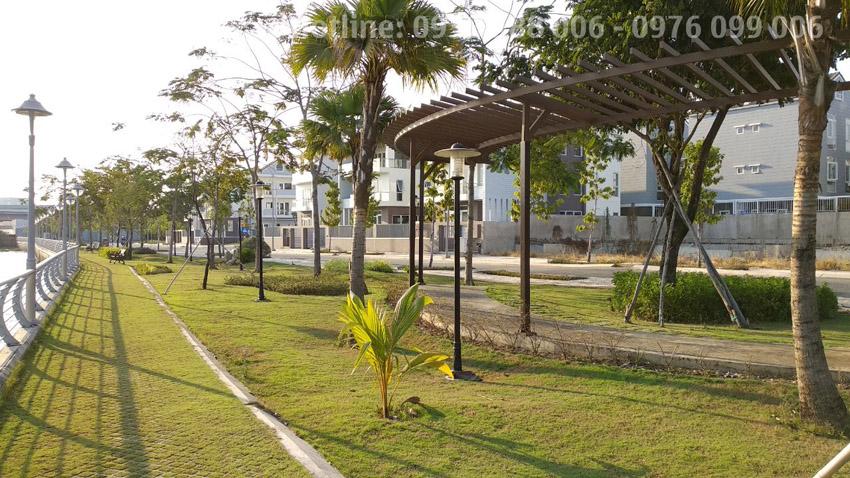 Công viên bờ sông trong khu dự án Jamona Golden Silk biệt thự biệt lập quận 7.