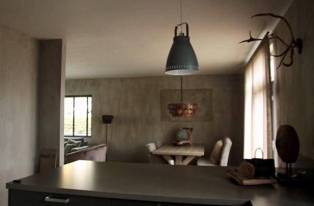 Donkere keuken landelijk interieur