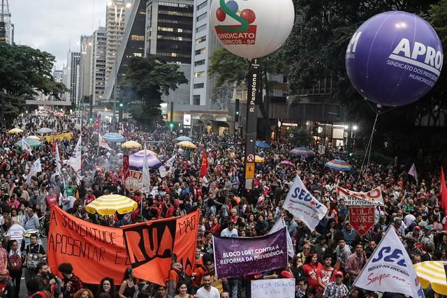 Aproximadamente 60 mil pessoas se reuniram na Avenida Paulista, em São Paulo (SP), em defesa da Previdência - Créditos: José Eduardo Bernardes