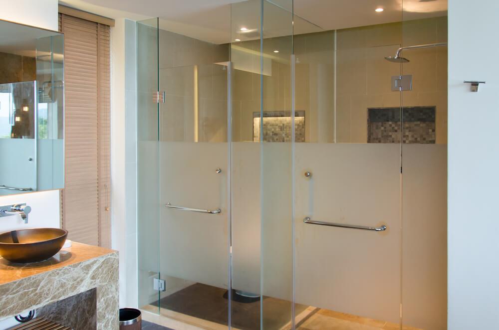 Contoh shower kamar mandi minimalis