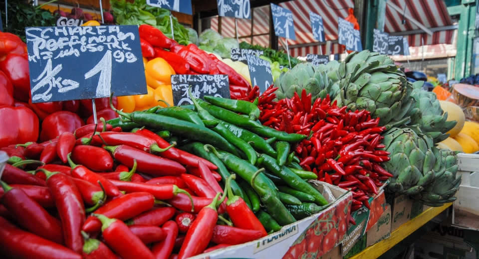 Bezienswaardigheden Wenen: bezoek de Naschmarkt | Mooistestedentrips.nl