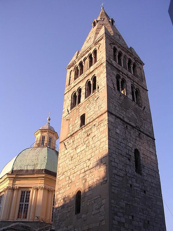 800px-Campanile_Santa_Maria_delle_Vigne