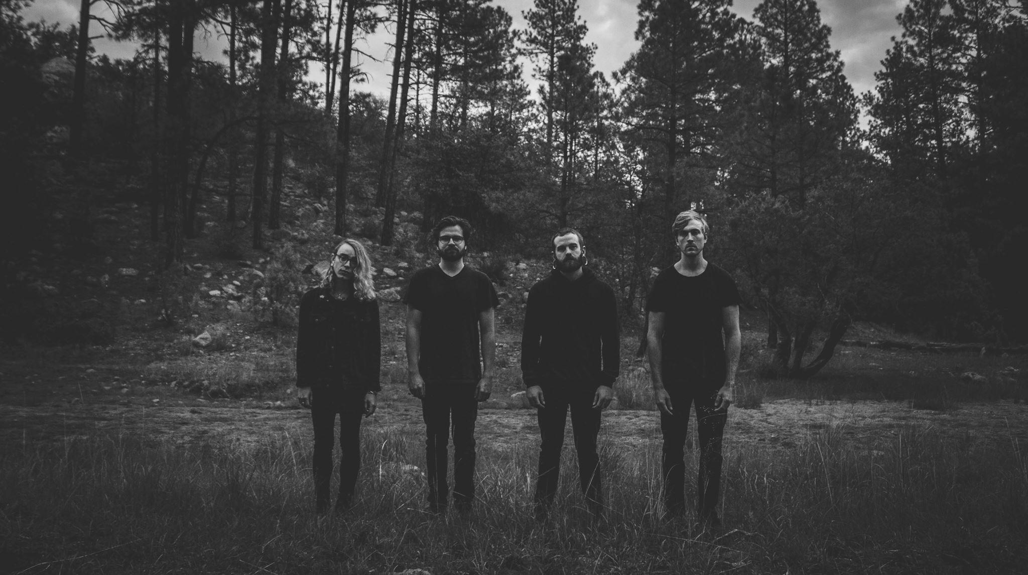 黑瞪鞋樂團 Holy Fawn 發布單曲影音 Dark Stone