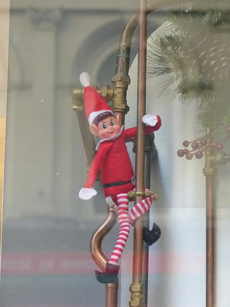 red elf 1