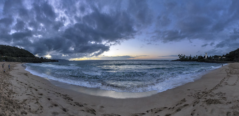 Panoramic sunset @ Waimea Beach