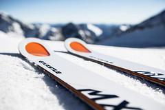 Nejlepší lyže v jarních slevách 2019