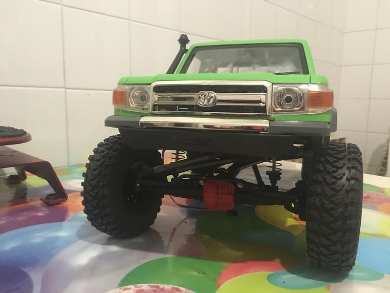 Toyota LC70 SCX10 II 46794954092_0ea33cf095_c