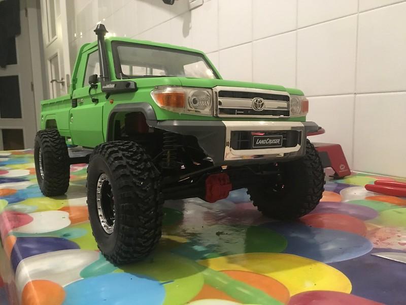 Toyota LC70 SCX10 II 46823448151_ae0b1ea73f_c