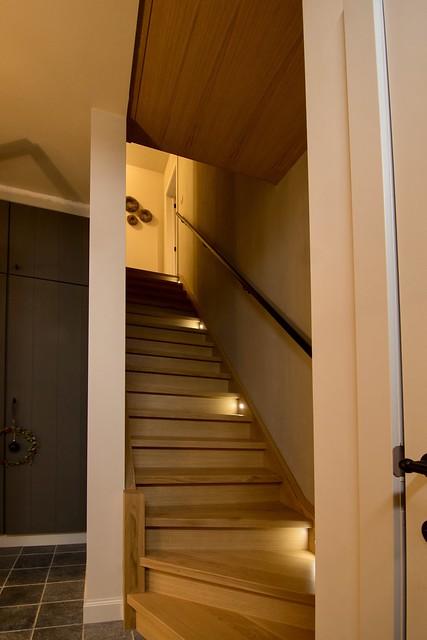 Eiken trap met verlichting