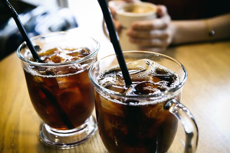 2019年7月起,四大類場所的內用飲料禁用一次性塑膠吸管。Jisu Han攝(CC BY-NC-ND 2.0)