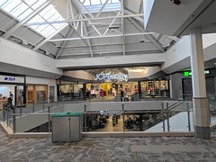 JCPenney (Crystal Mall, Waterford, Connecticut)