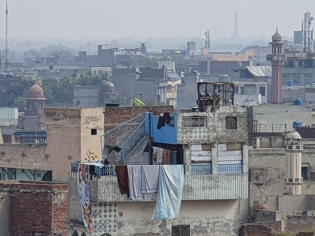 Wazir Khan Mosque Picture with 10X Zoom on Samsung Galaxy S10 Plus