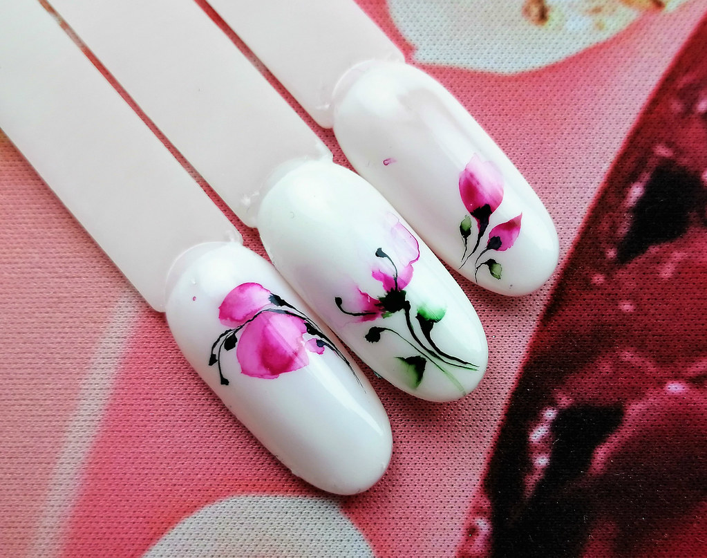 one stroke watercolor nails