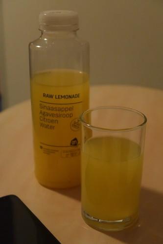Raw Lemonade vom Albert Heijn To Go (nach Nutzung der Dampfsauna im Hotel NH Atlantic Den Haag)