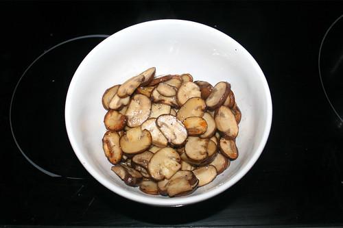 31 - Champignons bei Seite stellen / Put mushrooms aside