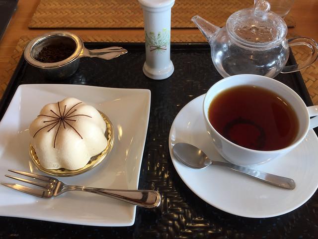 「白梅」と紅茶のセット
