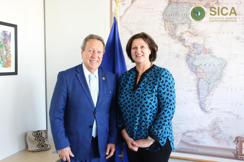 Reunión con la Directora Jolita Butkeviciene, Directora para América Latina y el Caribe en la Dirección General de Cooperación y Desarrollo de la Comisión Europea