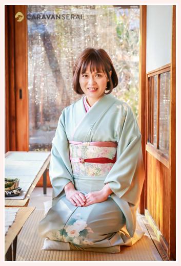 久米亭(愛知県瀬戸市)にロケーションフォト お着物を着て正座