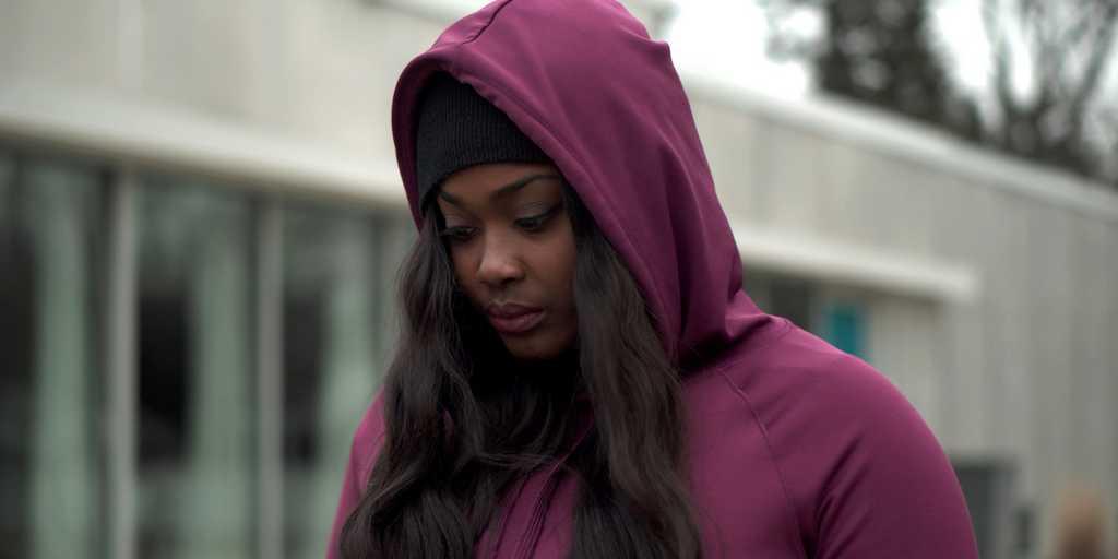 femme-noire-poursuite-harvard