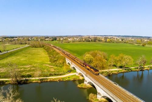 27 mars 2019 Class 66233 Train 60284 La Rochelle-Pallice -> Condat-le-lardin Saint-Médard-de-Guizières (33)