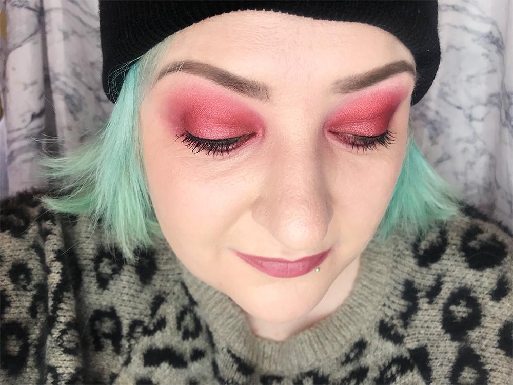Berry eye makeup red pink nyx phoenix palette fotd