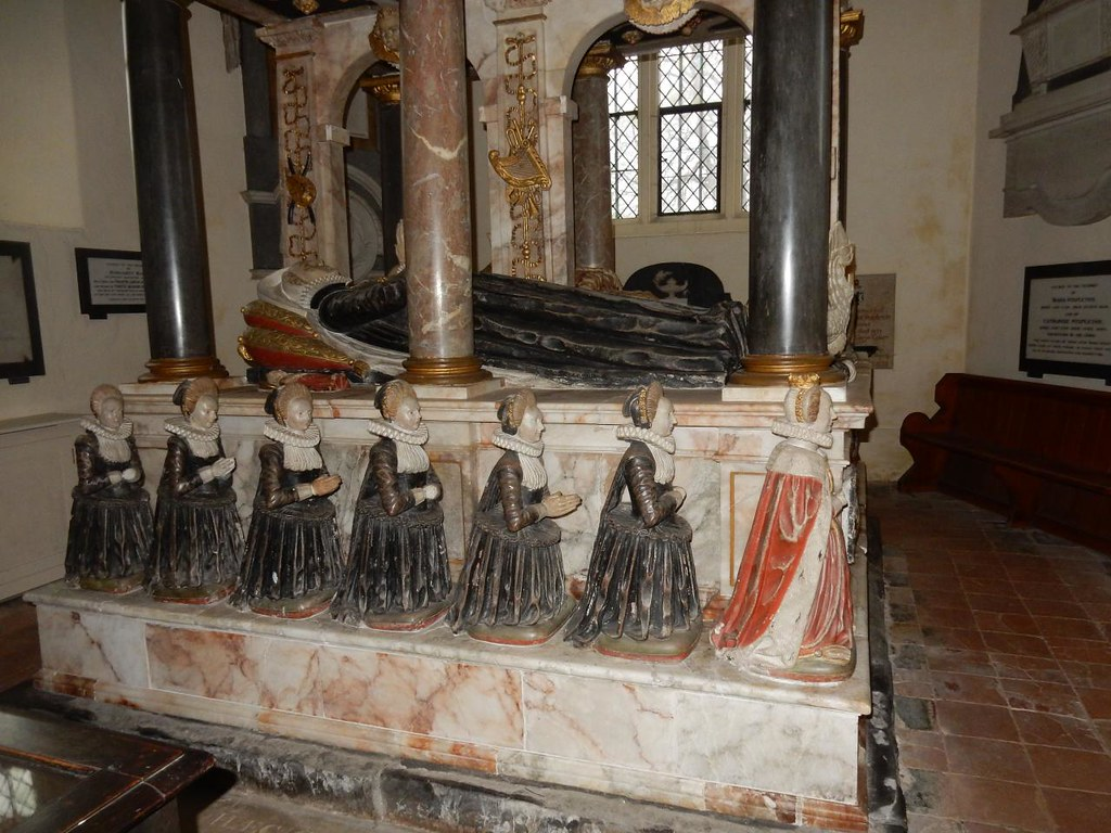 Knollys tomb Rotherfield Greys church, Shiplake to Henley On top Mary, Francis and baby Dudley Daughters from front, Lettice, Mary, Maud, Elizabeth, Anne, Katherine , Dorothy (in-law)