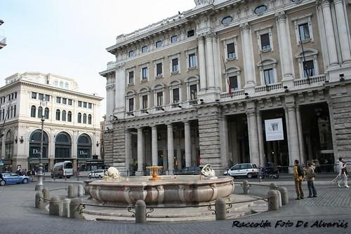 1930 ca 2007 Fontana nella Piazza Colonna b