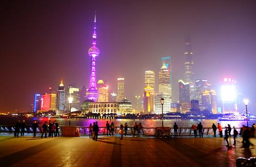 Shanghai boardwalk at night