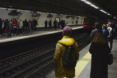 Incoming train... #commute #subway #lisbon #portugal #street #sonyrx100 #t3mujinpack
