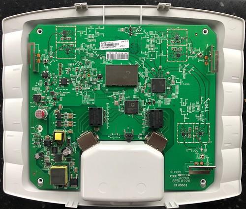 TP-LINK Omada EAP245 v3 inside pcb