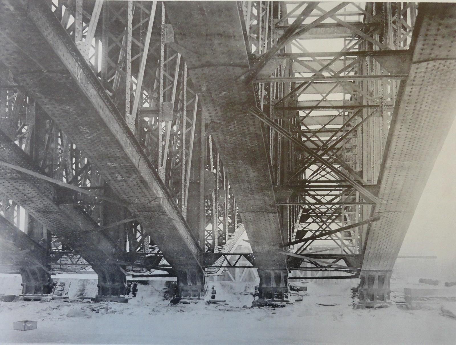 1901. Вид арочных ферм снизу. 6 января