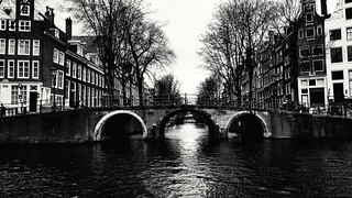 Pont d'Amsterdam | by Aldor