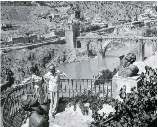 Victorio Macho con Zoila Barros en Roca Tarpeya
