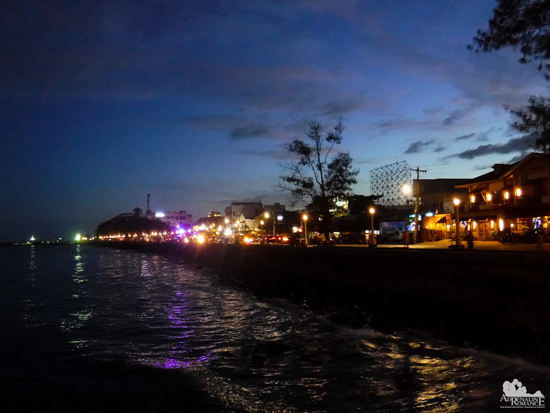 Rizal Boardwalk at dusk